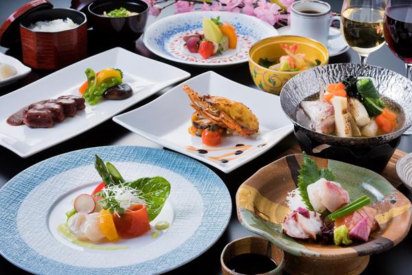 地元の食材と自家菜園の採れたて野菜を存分に味わえる和洋創作料理。