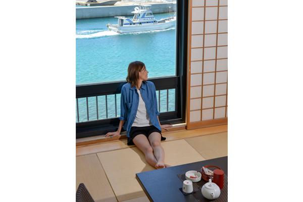 東シナ海が一望できる、和洋メゾネットタイプの客室